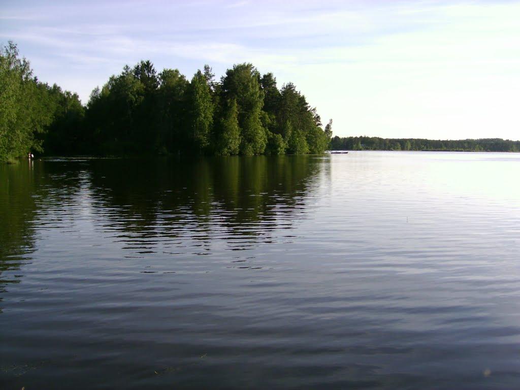 На Кавголовском озере рыбалка доставит вам настоящее удовольствие