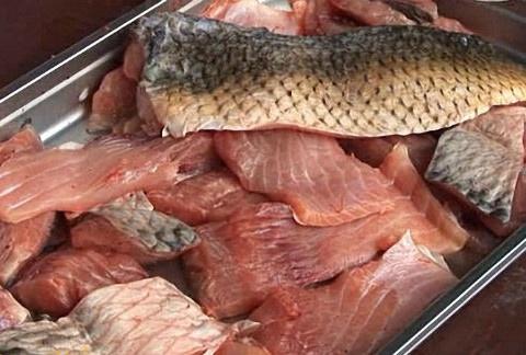 Режем рыбу на филе