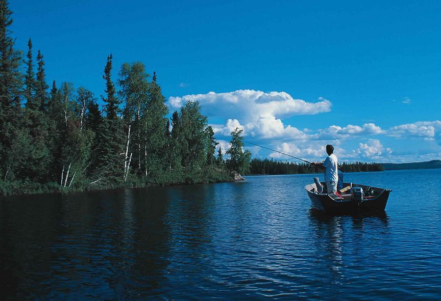 Нужна ли платная рыбалка в России?